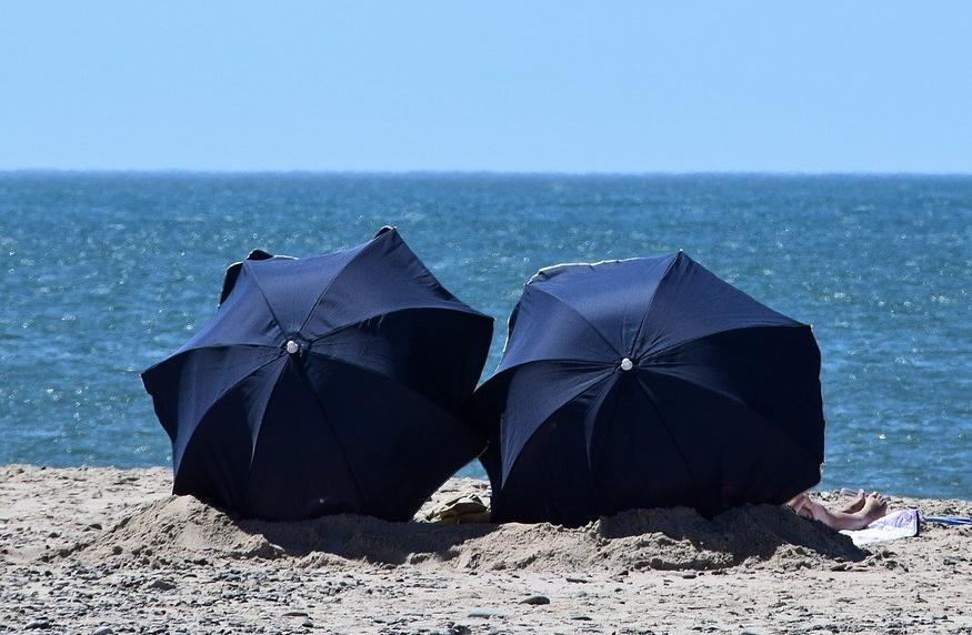 Sonnenschirm am Strand